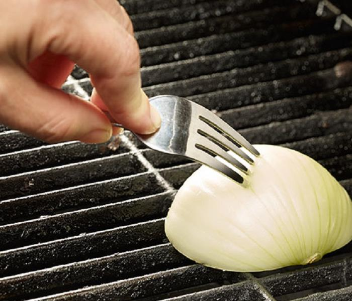 General Turn Your Grill into Nonstick
